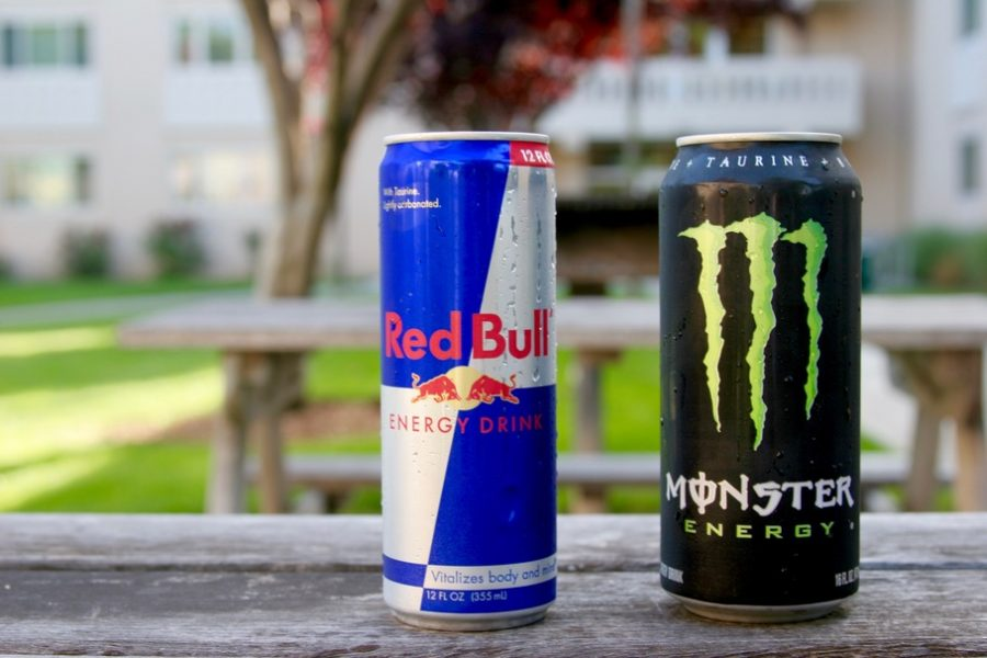 ENERGY+DRINK%3A+RED+BULL+VS.+MONSTER